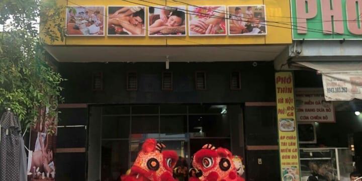 Múa lân khai trương cửa hàng giá rẻ tại Bình Thuận